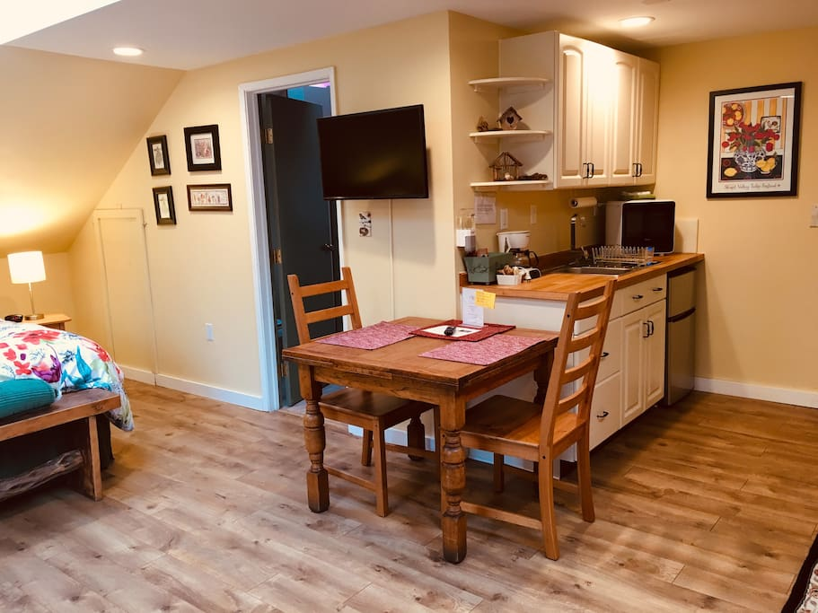 Kitchenette includes fridge/freezer, microwave, sink, coffee pot, electric kettle, dishes, silverware, toaster, and assorted breakfast snack bars.  Coffee & tea provided.