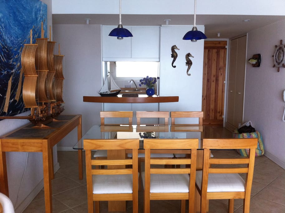 Comedor hasta para 8 personas Dining room up to 8