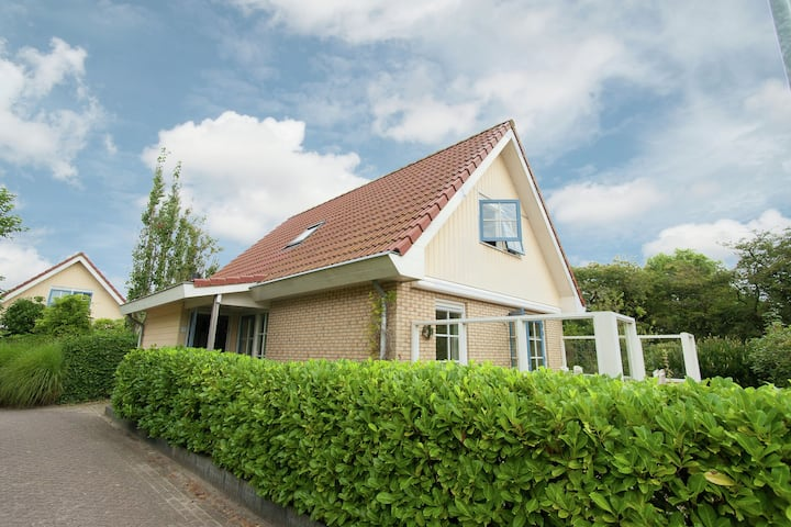 Holiday Home in Schoorl with Fenced Garden near Dunes