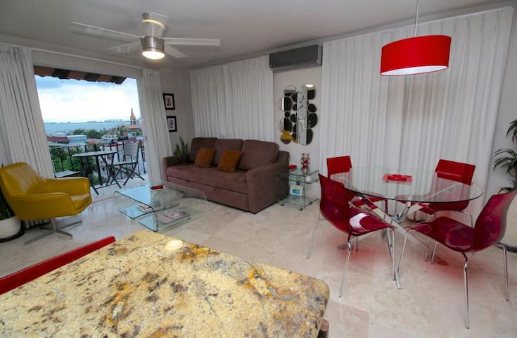 Sebastian penthouse two streets up from Malecon! - Puerto Vallarta - Wohnung