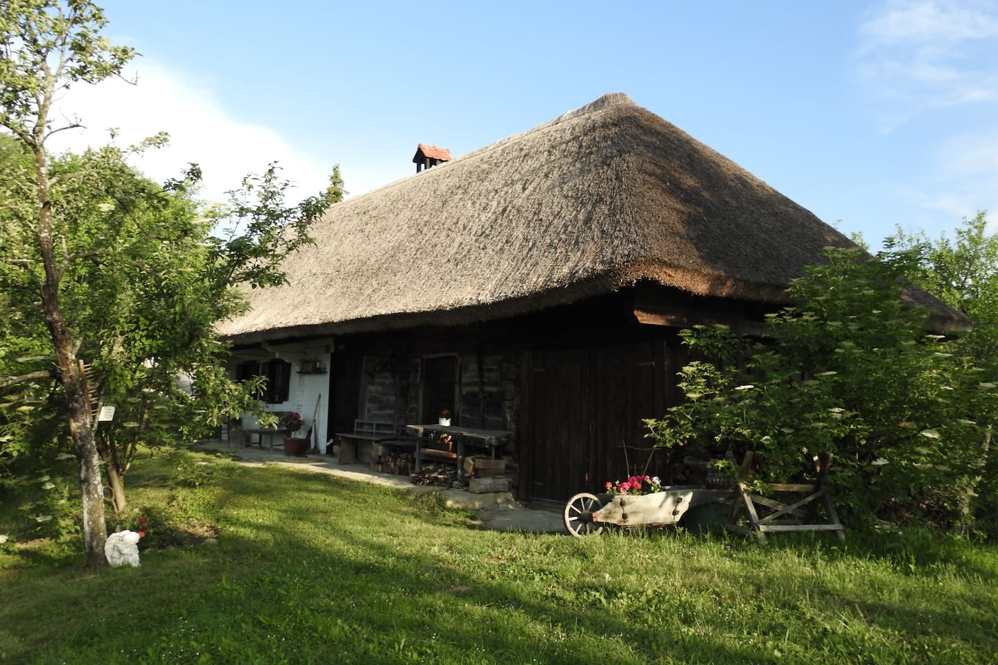 Cottage Polutnik since 1796 - Where the Soul rests and the Body fills up.