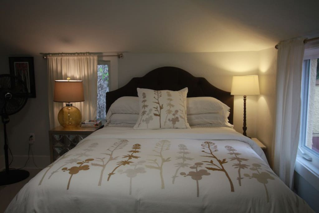 Guests love the comfortable Queen Bed!