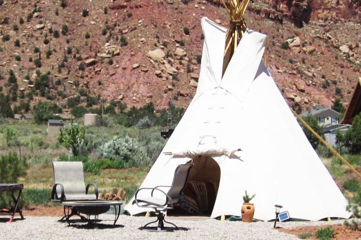 Coral Pink Cowboy Horse Ranch Tipi w/ Jacuzzi