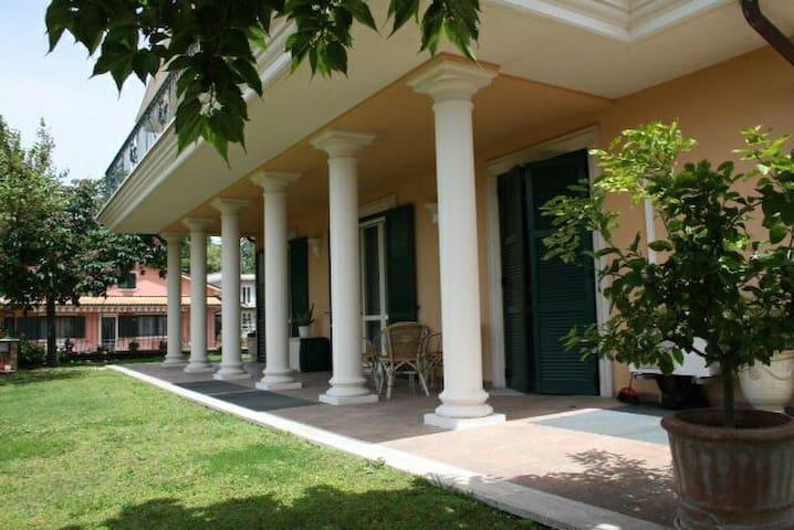Luxury Villa Liberty Style - Bolsena - Villa