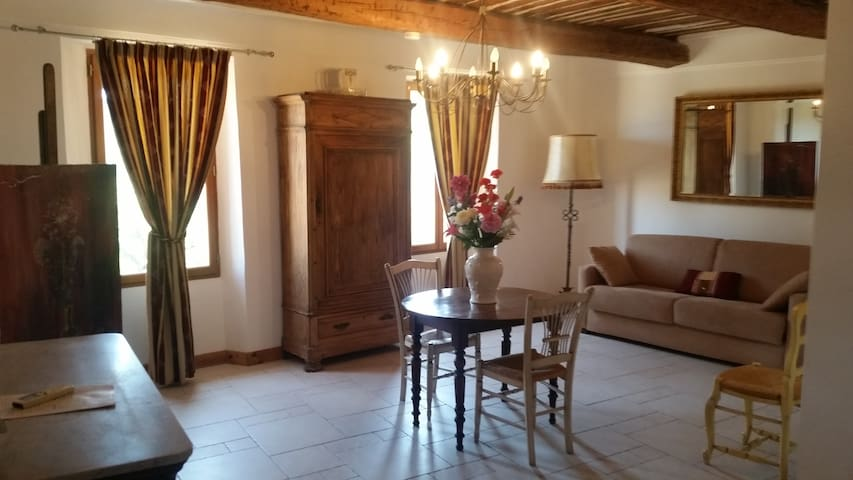 MAGNIFIQUE APPARTEMENT N°1 DANS HOTEL PARTICULIER - La Garde-Freinet - Apto. en complejo residencial