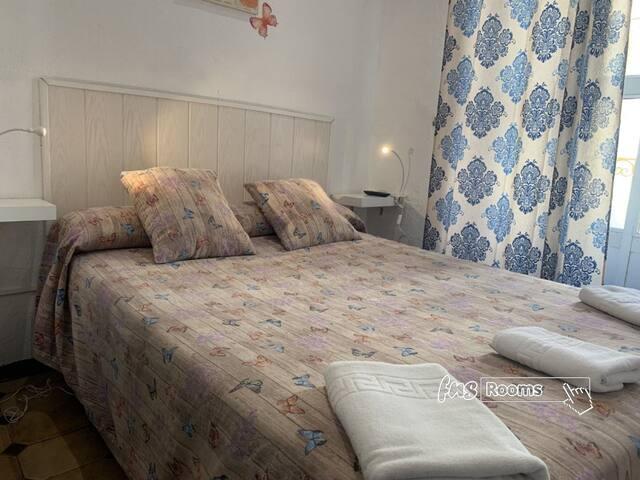 Pension Giraldilla - Standard Doppelzimmer Privates Badezimmer - Standardtarif