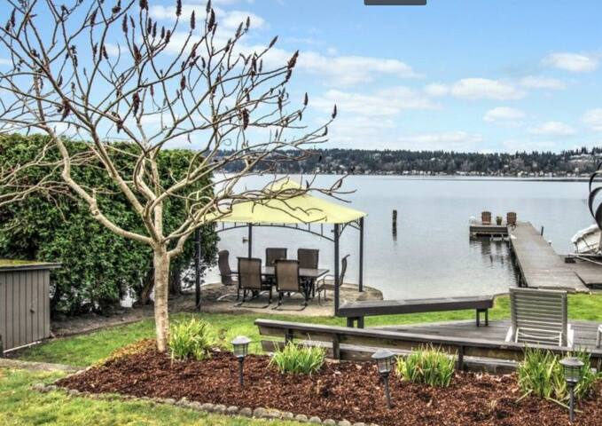On Lake Sammamish Lux Waterfront LOWER FLOOR SUITE - Sammamish - Guesthouse
