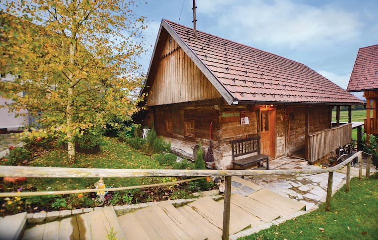 Holiday cottage with 3 bedrooms on 98m² in Crnomelj