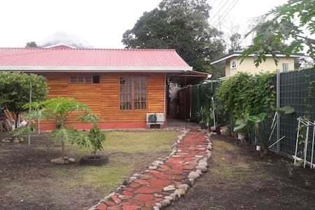 Cabin equipped in La Fortuna Town - Chalet