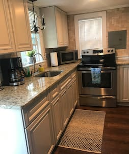 Completely Renovated 3 Bedroom Cottage