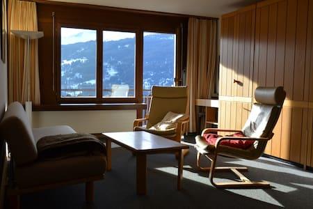 Bellevue - Traumhafte Aussicht am Sonnenhang - Luzein