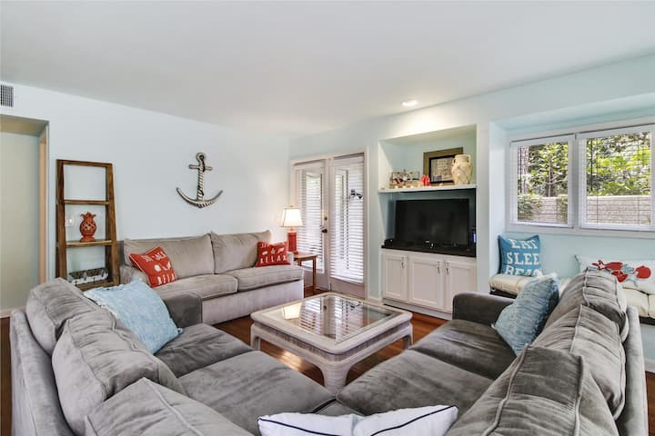2 bedroom, 2 Bath in St. Andrews Commons in Palmetto Dunes plantation.