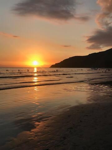 Sol, Mar e Montanha em Barequeçaba.