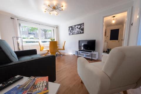 Modern and Stylish Bathgate City Centre Flat