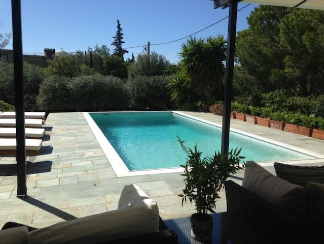 3 Bedroom Villa with Private Pool, Saronida, Athens Riviera - Saronida - Villa