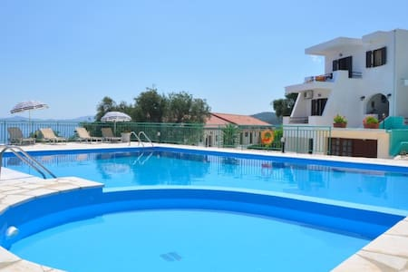Hill on the sea 3 - with pool - Apartmen