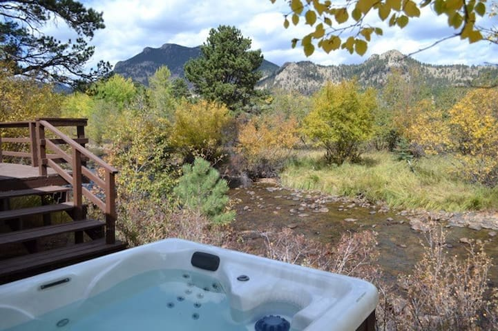 Murphy's Riverside Cottage - Vintage Mountain Cottage on the River! - Mountain Views! -- EV #3362