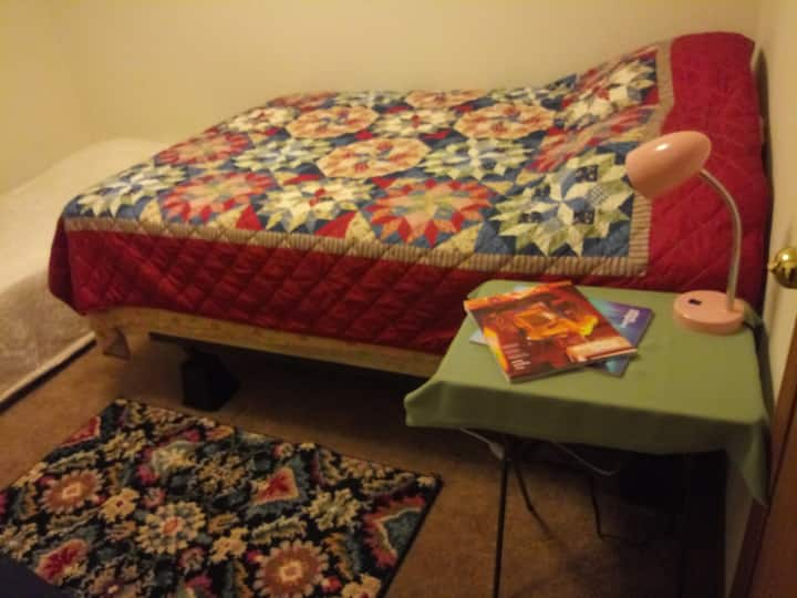 1 Full bed + 1 Twin bed (same room) w/ Guest Bath