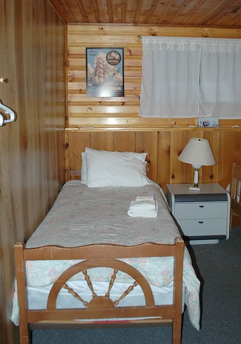 Bed 3 in room 4