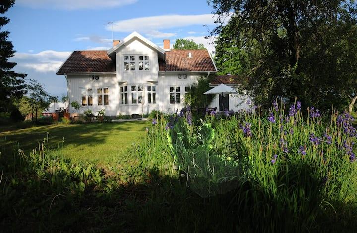 Romantiskt hus på landet