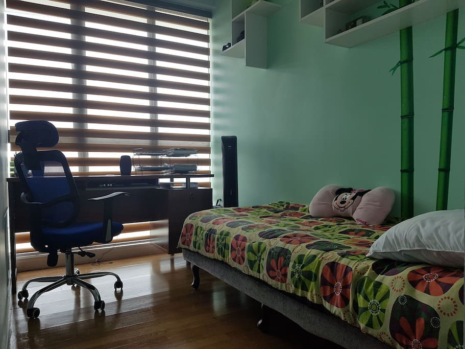 Study room with small bed for additional guest