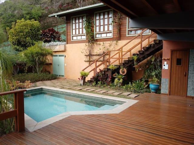 Casa boutique em Itaipava, qualidade e beleza.