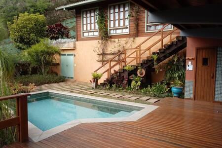 Casa boutique em Itaipava, qualidade, beleza WIFI