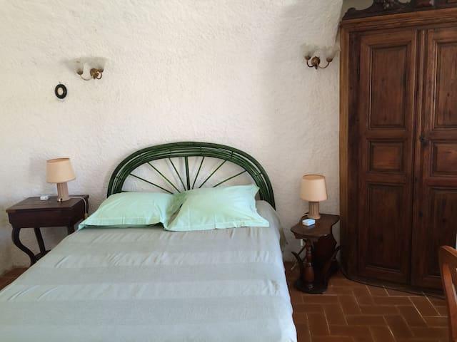 Chambre indépendante dans village corse typique. - Belgodère - Hospedaria