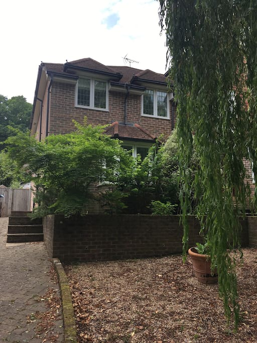 1 Chartwell Mews