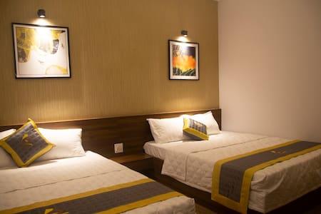 Khách sạn Phú Yên - BaKa Hotel phòng 4 người 303