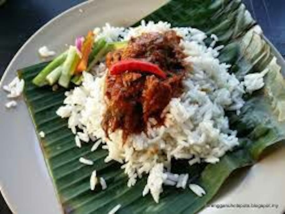 Free Breakfast - Coconut Rice with Fish Curry