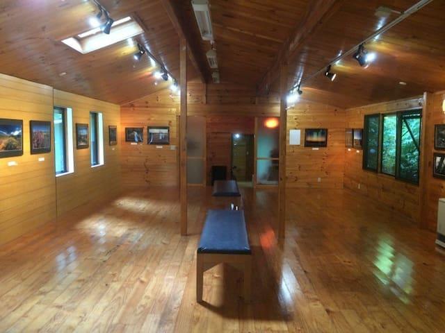 Grand Cabin