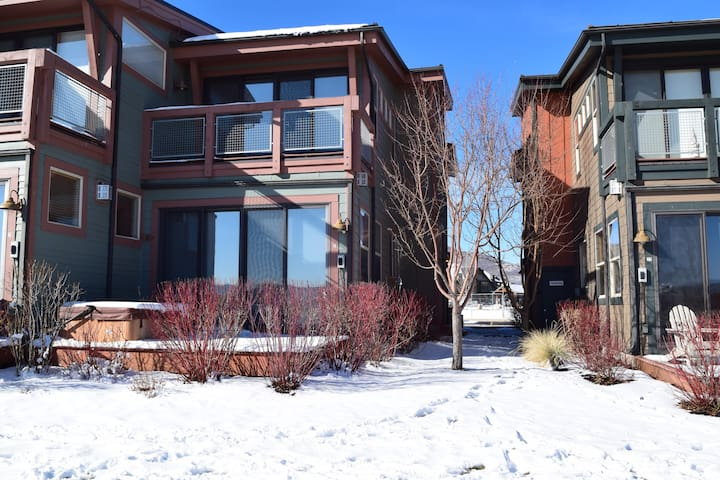 Newpark Townhouse, Best of Everything Park City