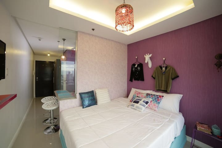 Urduja Fashion Room, Malate w/ Wifi - Manila - Selveierleilighet