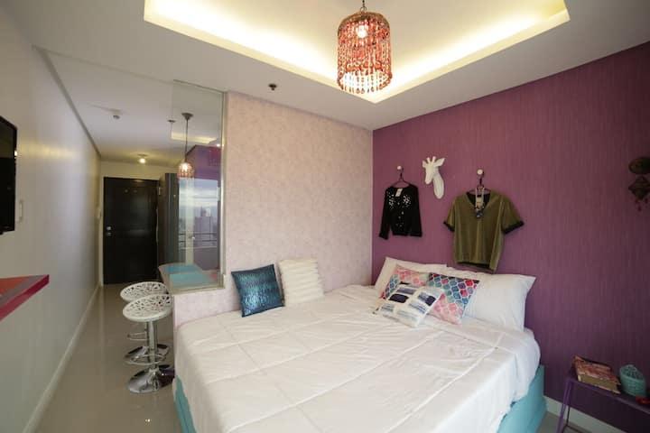 Urduja Fashion Room, Malate w/ Wifi
