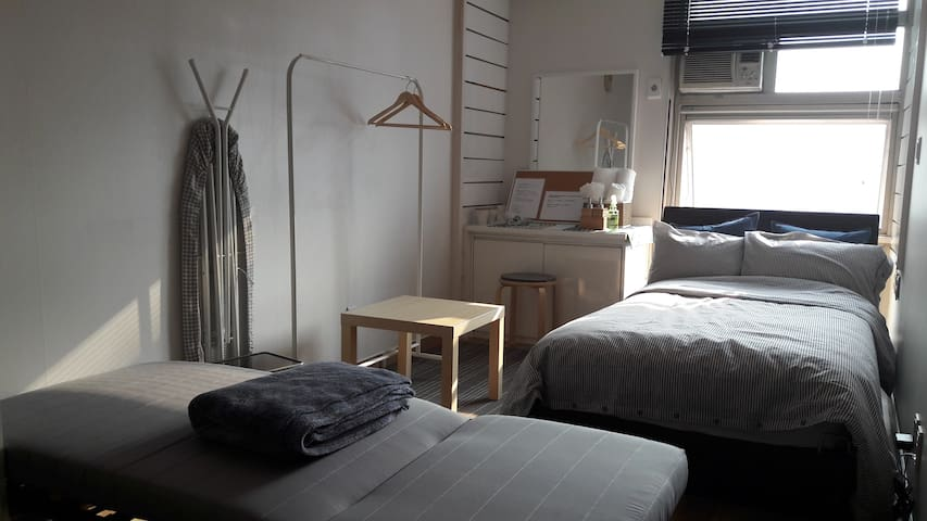 [NEW] GREAT LOCATION/ 2MIN TO SHINCHON STN #7 - 서울특별시 - Apartamento