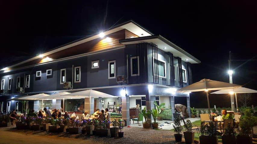 บ้านแก่ง รีสอร์ท (Ban-Kang Resort) อ.เชียงคาน เลย