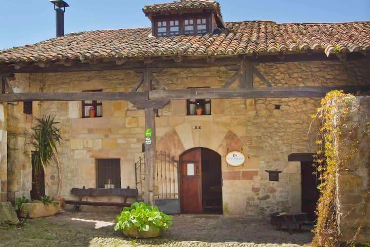 Casa completa Valle de Iguña, centro de Cantabria. - Arenas de Iguña - Rumah