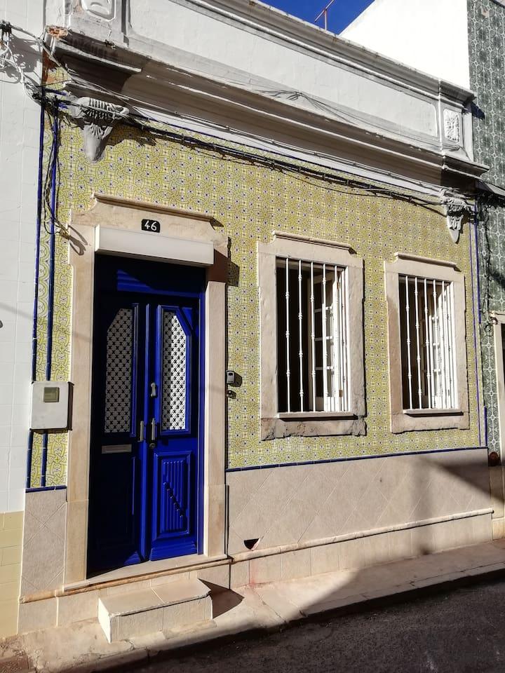 Devanture de la maison au 46 rue Gonzalo Velho