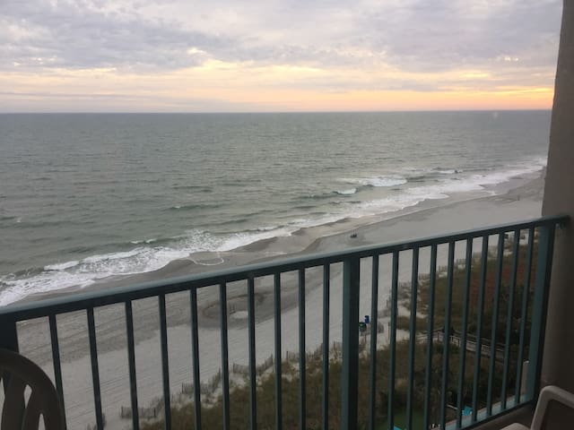 Oceanfront Efficiency Condo Myrtle Beach SC