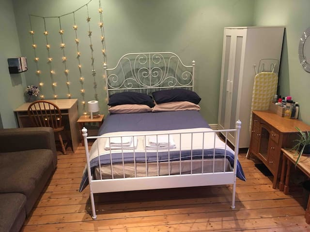 Large and comfortable double room