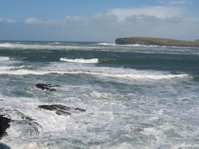 Kilkee seaside apartment.  5 night minimum stay.