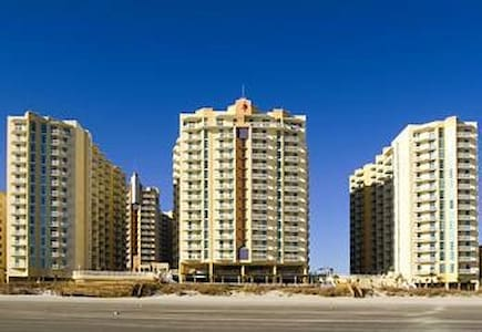 Beautiful Ocean View Condominium on the Beach - 北默特尔海滩(North Myrtle Beach)