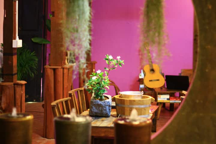 Cute & Cozy Guesthouse in Chiang Mai Old City