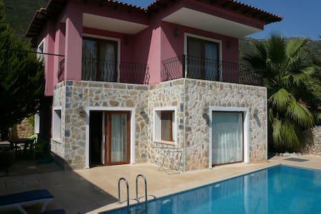 Pretty typical House & private pool - Çukurbağ Köyü - Casa