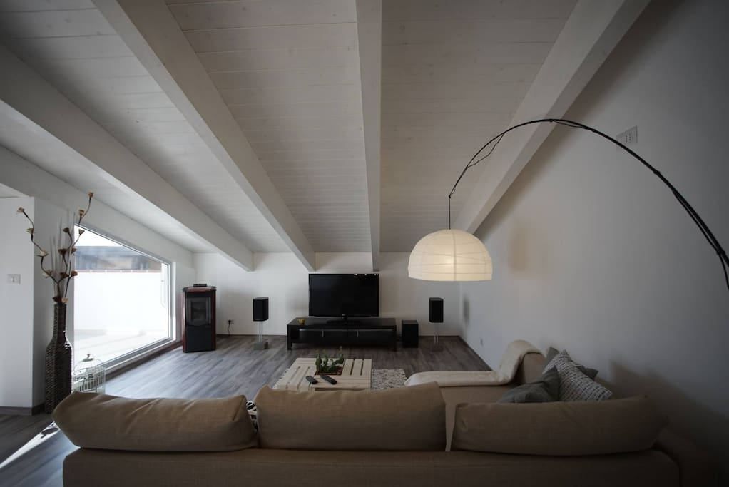 Modern open space loft condomini in affitto a fermo for Open space planimetria del condominio