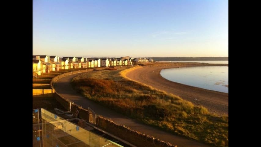 Large 3 Bed Beach Property at Machynys Bay