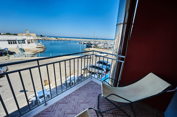 Seafront Red Guest House - OSTUNI