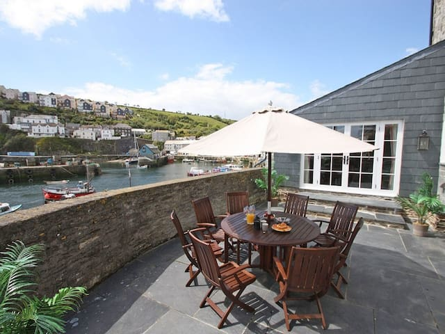 GLANVILLE HOUSE, family friendly in Mevagissey, Ref 959570