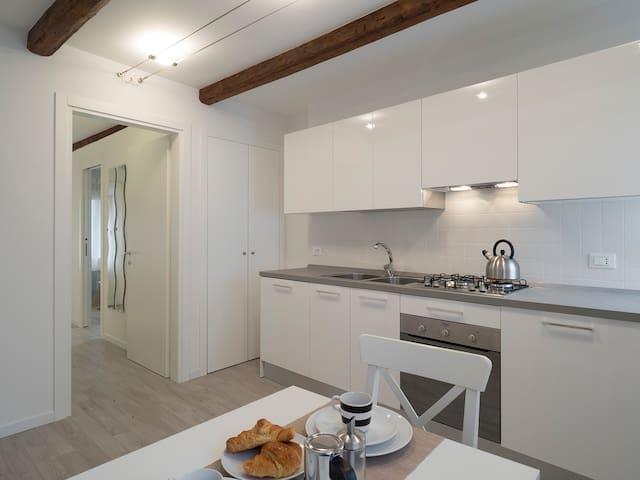 ROMANTIC CA' DEL SOL LOFT IN RIALTO - Venetië - Appartement